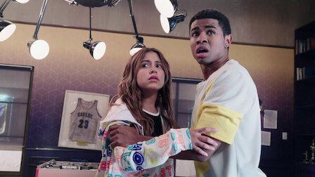 觀賞天生一對。第 2 季第 4 集。
